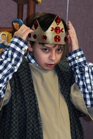 1126201315144618---getting-crowned